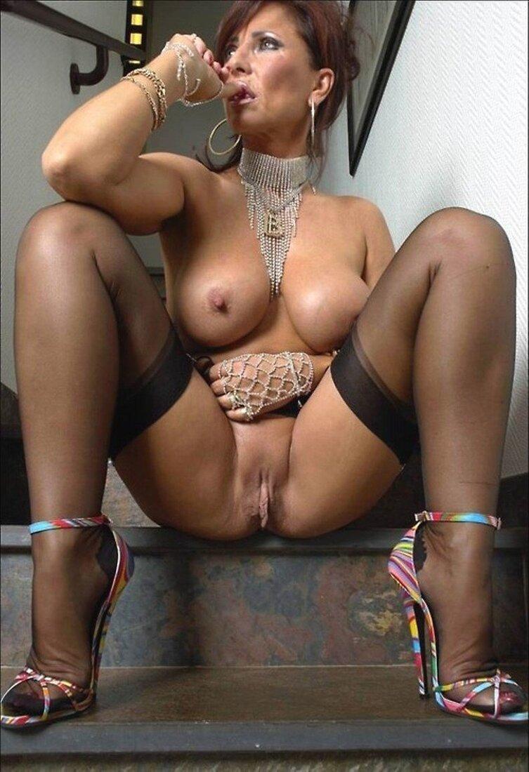 Красивые зрелые в порно фото
