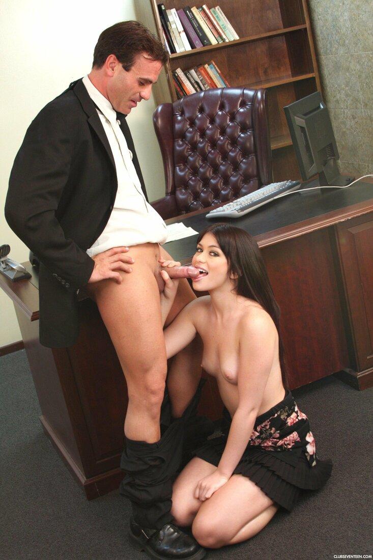 Порно трахает секретаршу фото