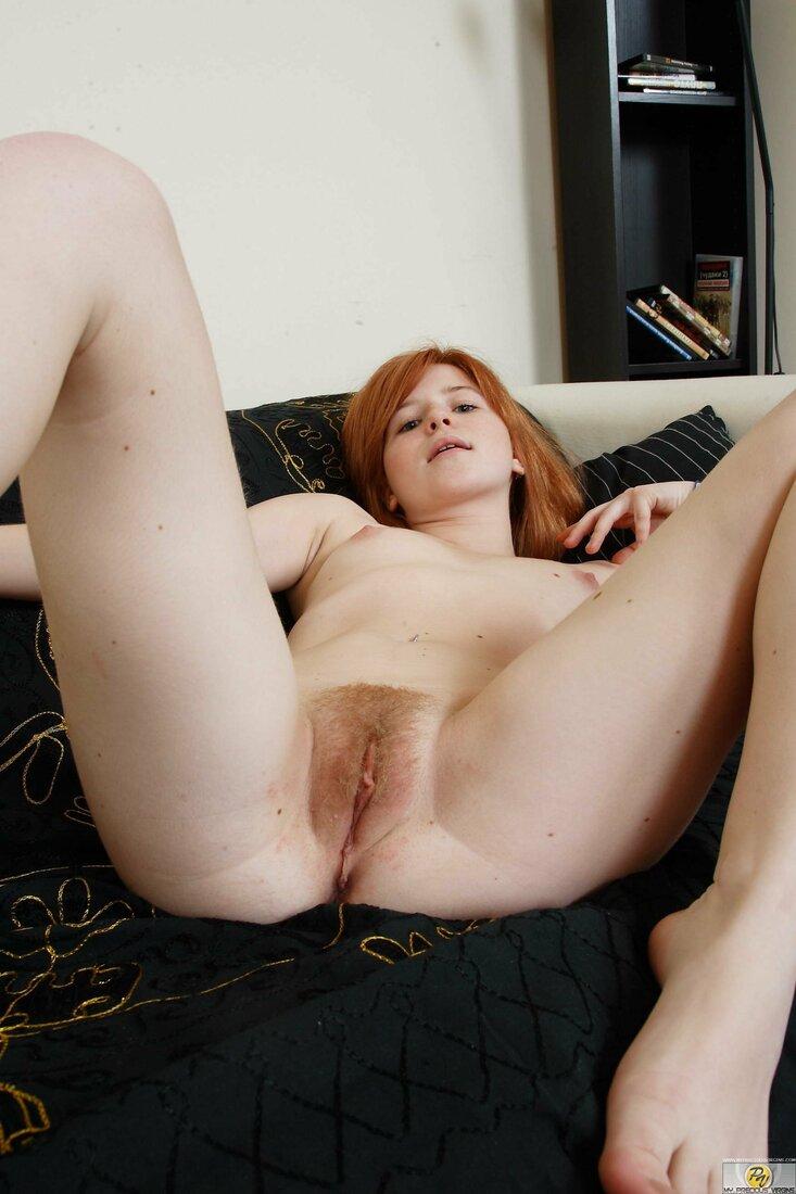 рыжая волосатая пизда фото