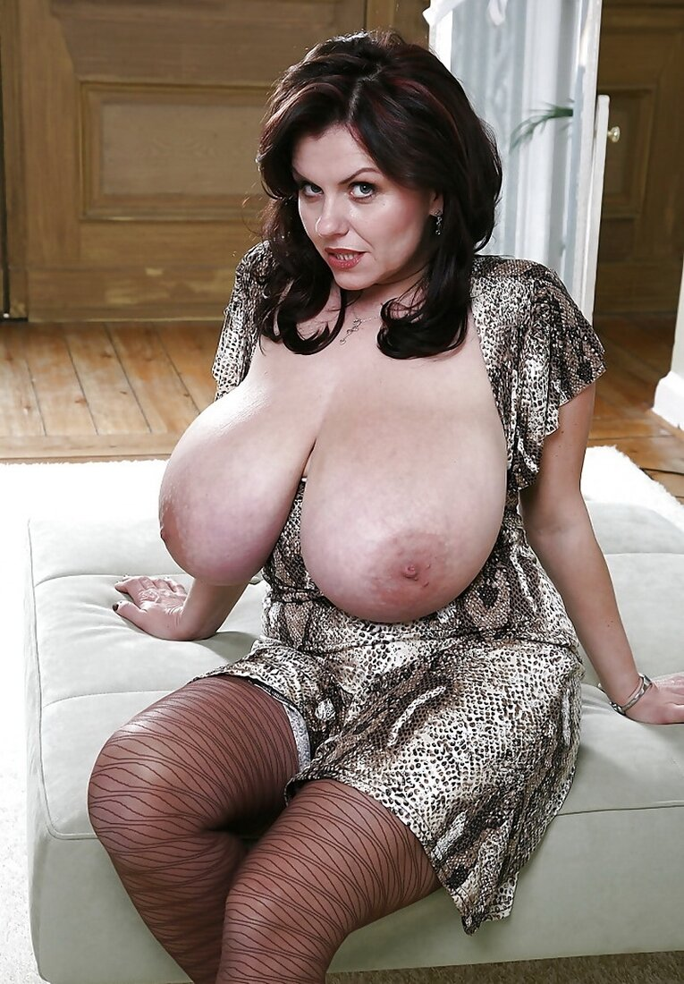 Красивые сисястые женщины фото