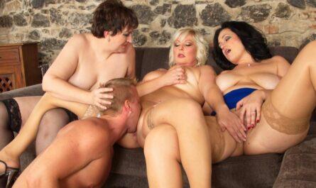 Групповое порно со зрелыми женщинами фото