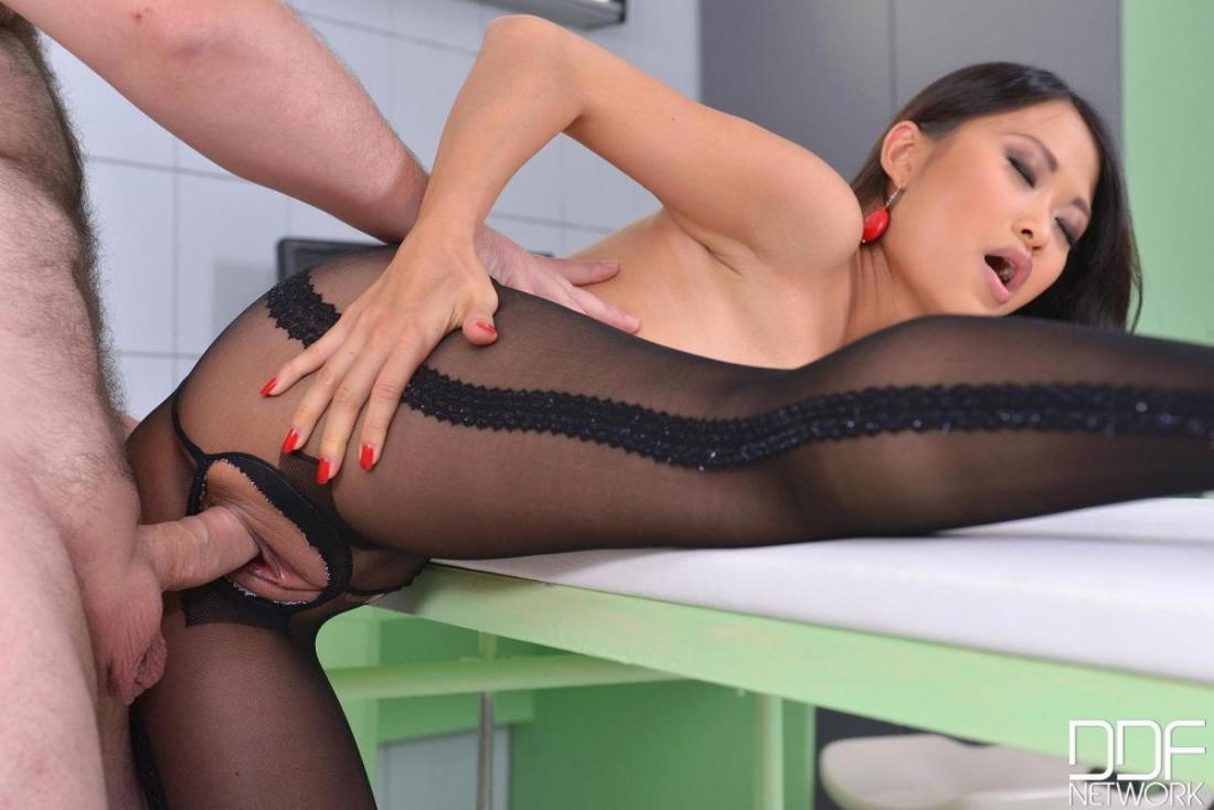 Порно в черных колготках фото